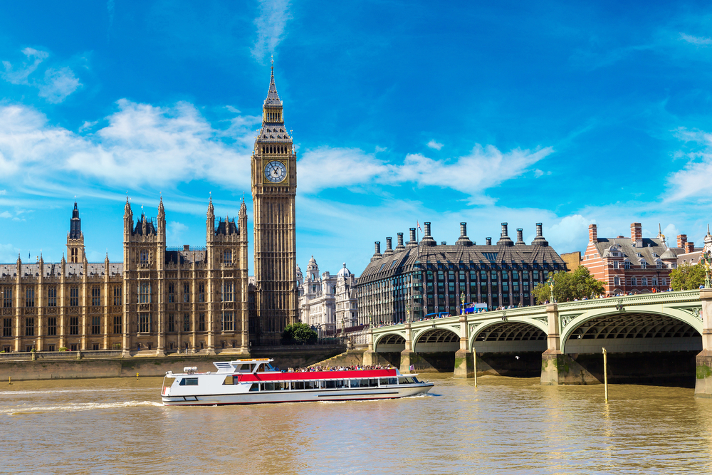 TRAVELLING IN LONDON