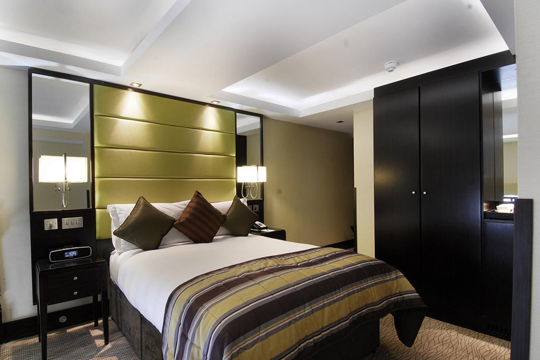 Luxury hotel deals london